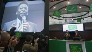 Mit Pelé auf Aktionärsfang