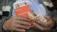Die Angst vor Anleihen und Aktien kostet ein Vermögen