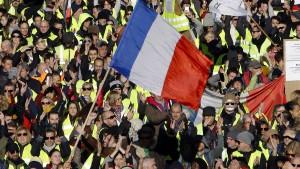 Macron ruft Franzosen zu Debatte auf