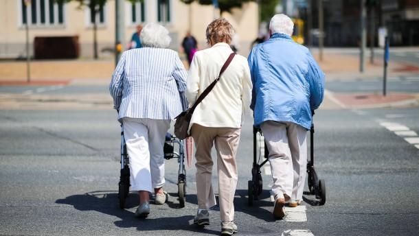 Einkommensteueraufkommen von Rentnern verdoppelt sich bis 2022