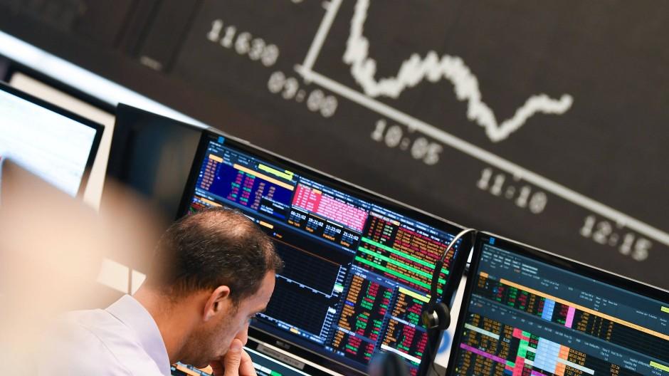 Im Krisenmodus: Aktienhändler im Handelssaal der Frankfurter Wertpapierbörse