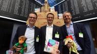 Beim Börsengang waren die Windeln.de-Manager noch voll Hoffnung: Die Gründer Alexander Brand und Konstantin Urban sind mittlerweile ausgeschieden. Nur noch Finanzvorstand Nikolaus Weinberger (l) ist geblieben.