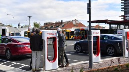 "Tesla will ""down-under"" eigenen Batterie-Rekord einstellen"