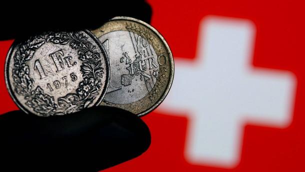 Warum wird der Franken so schwach?
