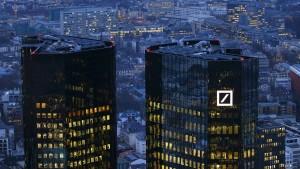 Deutsche Bank will nach Kurssturz für Beruhigung sorgen