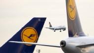 Lufthansa-Aktien an Dax-Spitze