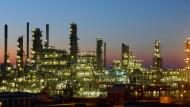 Der Ölpreisverfall ist auch zu Beginn des zweiten Quartals im Fokus der Börsen.