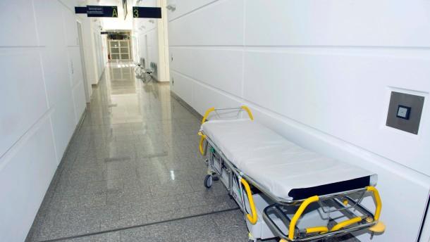 Kliniken sind teuer und mittelmäßig