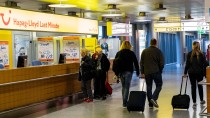 Viele Passagiere von TUI fly können am Freitag nicht in den Urlaub fliegen.