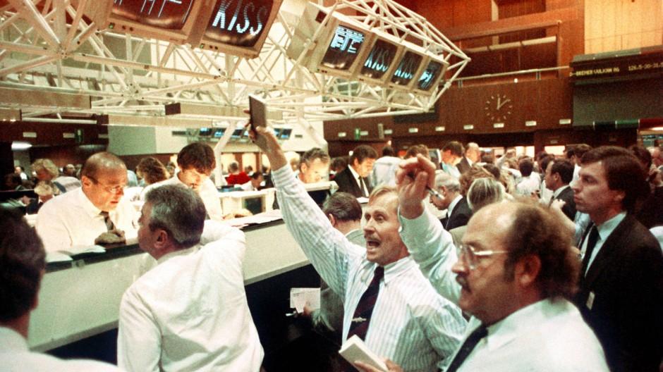 Der nächste Crash ist immer der schlimmste: Händler an der Frankfurter Börse nach dem Wall-Street-Crash 1987
