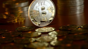 Bitcoin steigt erstmals über 12.000 Dollar