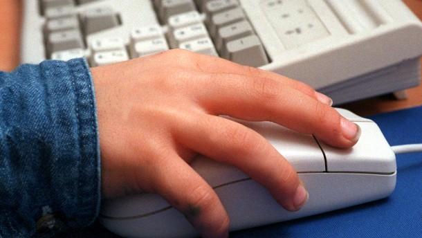 Jüngsten Internetnutzer auf Problemseiten