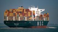 Die Krise der Schifffahrt geht weiter und bereitet Anlegern wie auch den Banken Verluste.