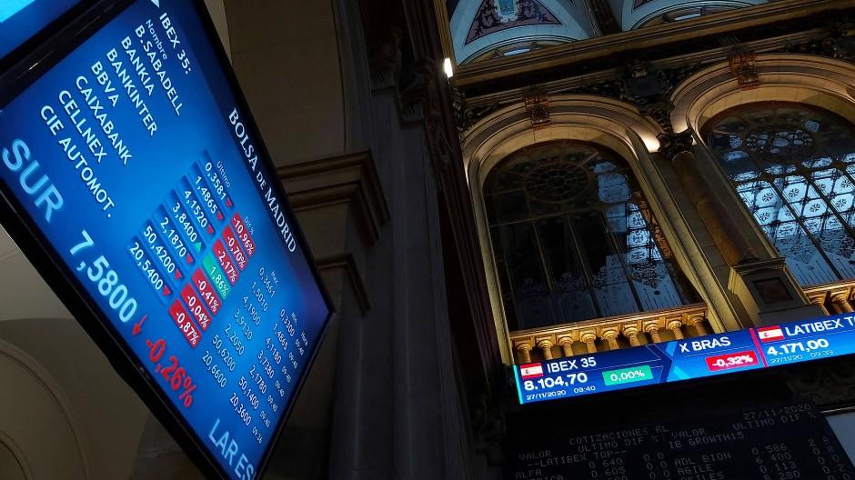 An der Börse Madrid drehten viel Bankenaktien ins Minus.