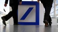 Aktienkurs der Deutschen Bank klettert um mehr als zehn Prozent
