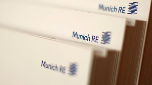 Geringerer Gewinn drückt Munich-Re-Aktien