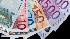 Bruttoeinkommen 2018 um knapp drei Prozent gestiegen