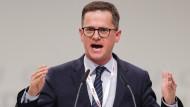 Kämpferisch: Carsten Linnemann, Vorsitzender der Mittelstands Union,  beim CDU-Bundesparteitag.