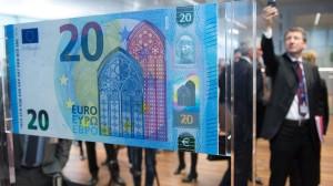 Ein Modell der neuen 20-Euro-Banknote bei der EZB in Frankfurt am Main.