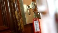 Dürfen immer neue Feriengäste ständig ins Haus? Der BGH entscheidet darüber am Freitag.