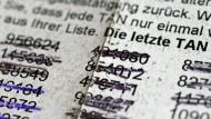 Eine TAN-Liste mit durchgestrichenen TAN-Nummern zum Online-Banking