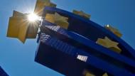 Das Eurozeichen vor der Zentrale der Europäischen Zentralbank