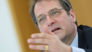 EZB-Beobachter sollen der Notenbank helfen