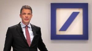 Chef der Deutschen Bank fordert mehr Staatsausgaben