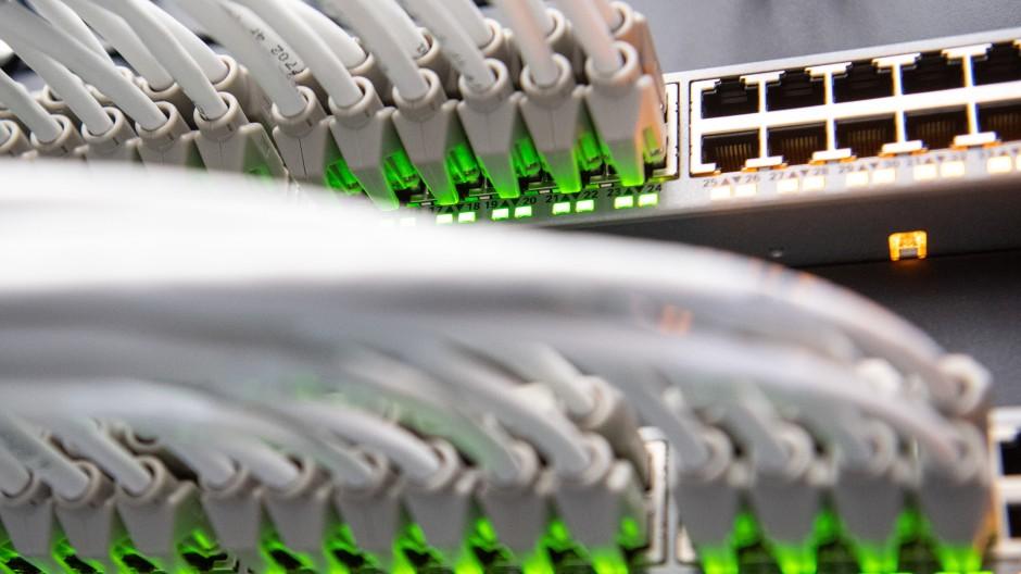 In Netzwerken tummelt sich viel Geld - und wird auch viel geklaut.