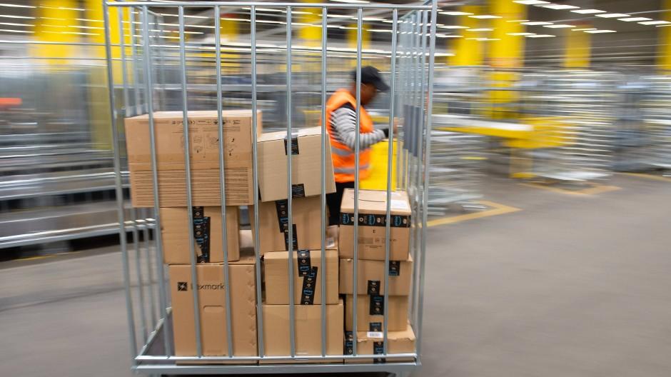 Logistik braucht viel Fläche: Verteilzentrum von Amazon in Lampertswalde, Sachsen