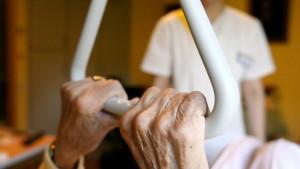 Der Pflege-Bahr boomt