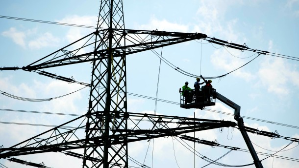Energie-Agentur kritisiert fehlende Anreize fuer Stromnetzausbau