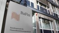 Bafin-Schriftzug vor dem Sitz in Bonn