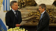 Argentiniens Präsident Mauricio Macri (links) und Finanzminister Luis Caputo