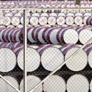 Einige Länder fördern weiterhin mehr Öl als vereinbart. Mit einer Verlängerung der Förderbremse soll der Preis stabilisiert werden.