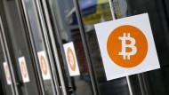 Vor kurzer Zeit steckte Bitcoin noch in einer Krise. Doch jetzt boomt die Digitalwährung.