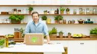 Hello Fresh liefert Kochboxen mit Rezept und den passenden Zutaten. Dafür kooperierte das Unternehmen bereits mit Starkoch Jamie Oliver.