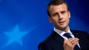 Der französische Präsident macht den Kursen Beine