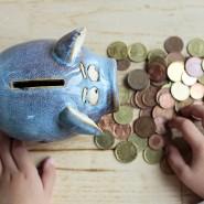 Immer weiter weg vom Kunden: Manche Sparkasse weigert sich, von Kindern Münzgeld aus Sparschweinen anzunehmen.