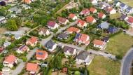 Vorsicht, Steuern: Immobilien gehören zu den wichtigsten Vermögenswerten, die an Erben weitergegeben werden.