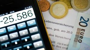 Versicherer und Vermittler zanken um Provisionen