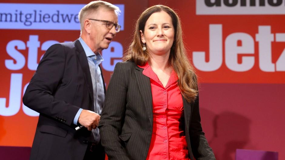 Enttäuscht: Janine Wissler, Co-Vorsitzende der Linkspartei und der Vorsitzende der Bundestagsfraktion, Dietmar Bartsch am Sonntagabend