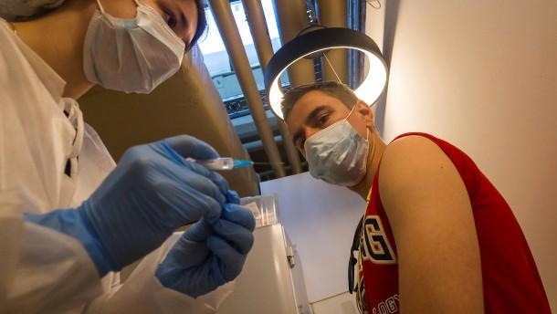 Moskau prescht mit Pflichtimpfung vor