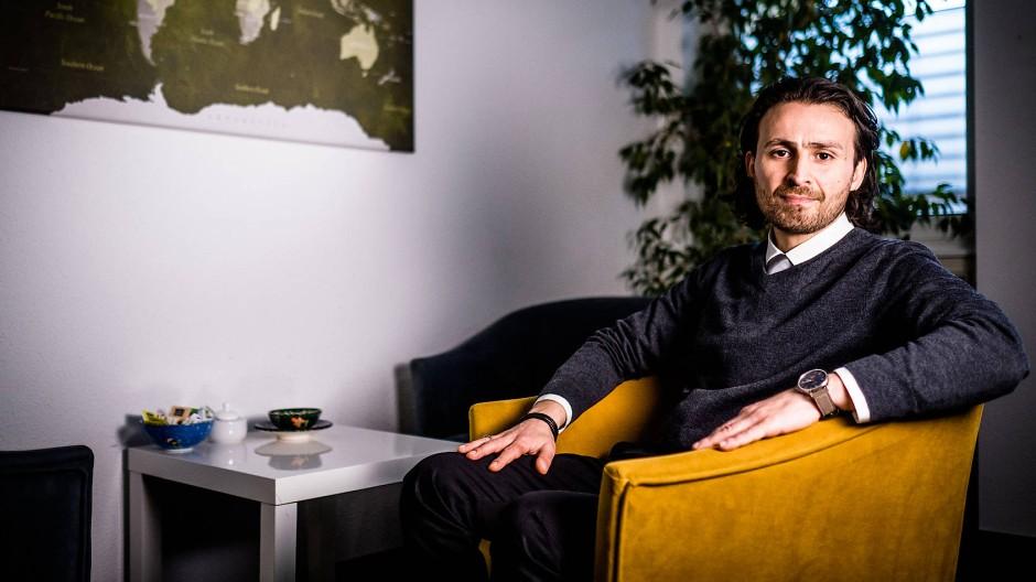 Musa Deli, Sozialpsychologe und Leiter des Gesundheitszentrum für Migranten in Koeln