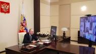 Präsident Wladimir Putin bei einer Videokonferenz am Dienstag in seiner Residenz Nowo-Ogarjowo bei Moskau