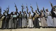 Kämpfer der schiitischen Houthi-Rebellen in Sanaa auf einem Foto vom September 2019.