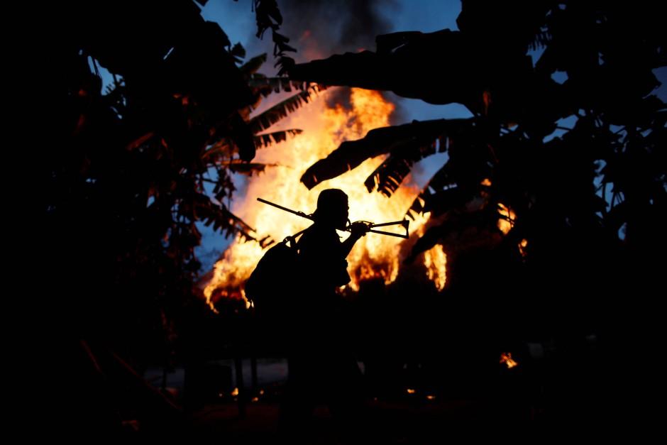 Feuer in einem Holzfällerlager