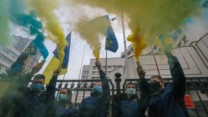 Selenskyj will Verfassungsrichter entlassen