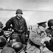 Der britische Premierminister überquert am 25. März 1945 mit britischen Truppen den Rhein