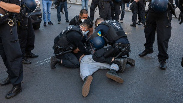 Droht Berlin ein Polizei-Streik?